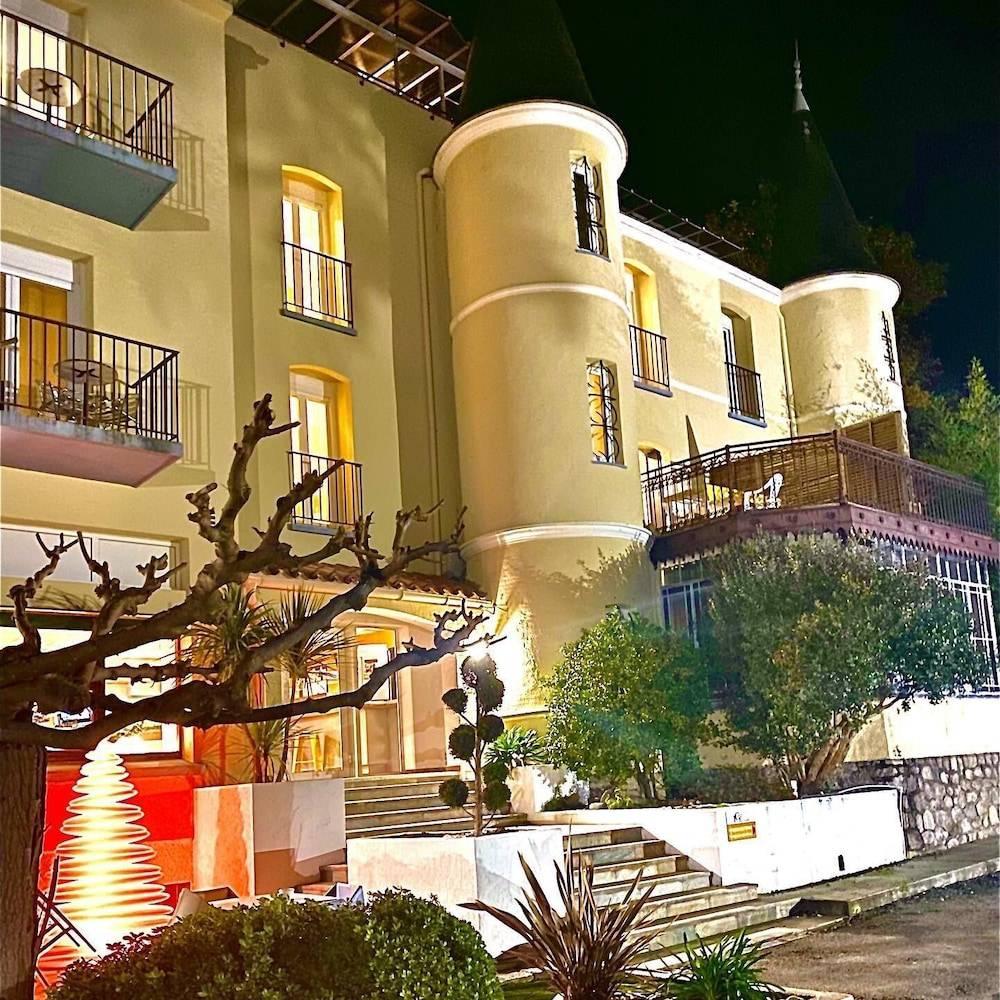 Appart Hôtel Castel Emeraude